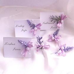 Svatební jmenovka s umělou levandulí