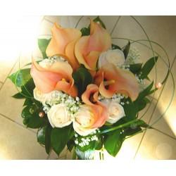 Svatební kytice kaly a růže